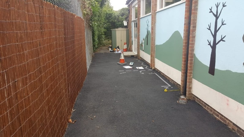 starting painting the road at pinkneys